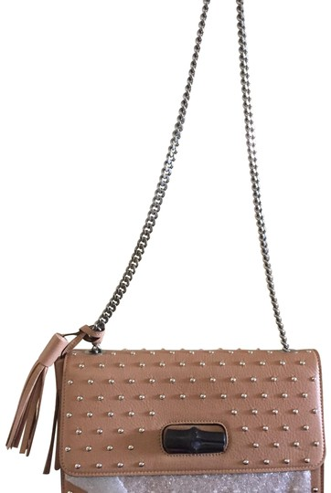 Preload https://img-static.tradesy.com/item/23106583/gucci-new-with-studded-bamboo-limited-edition-sold-out-beige-leather-shoulder-bag-0-1-540-540.jpg