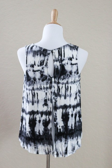 LOVEsick Top Black and White