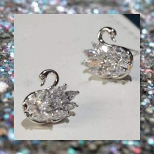 Other New 925 Silver Swarovski Crystal Earrings Image 1