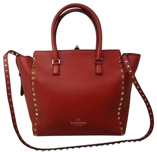 Preload https://img-static.tradesy.com/item/23108069/valentino-garavani-rockstud-double-handle-red-leather-tote-0-1-540-540.jpg