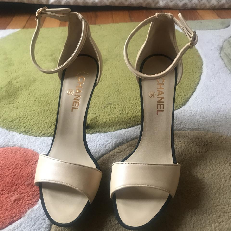 e17901182be Chanel Off White Gold Chaussures Ouve Sandals Size EU 40 (Approx. US ...