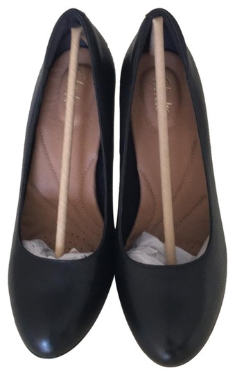 Preload https://img-static.tradesy.com/item/23108684/clarks-black-heavenly-star-pumps-size-us-85-wide-c-d-0-1-540-540.jpg