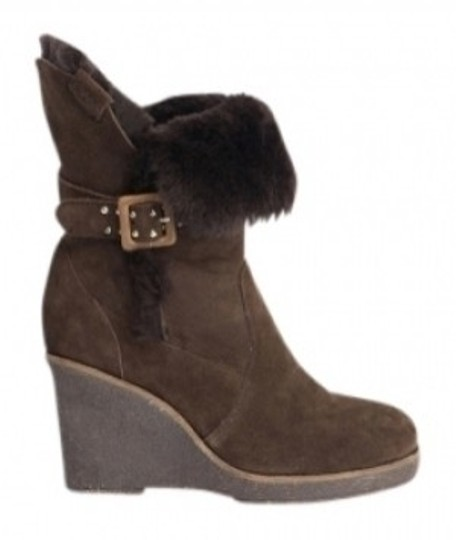 Preload https://img-static.tradesy.com/item/23109/emu-chocolate-brown-heighton-lo-shearling-bootsbooties-size-us-5-regular-m-b-0-0-540-540.jpg