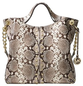 Michael Kors Next Day Shipping Tote in Natural