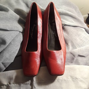 Etienne Aigner red Flats