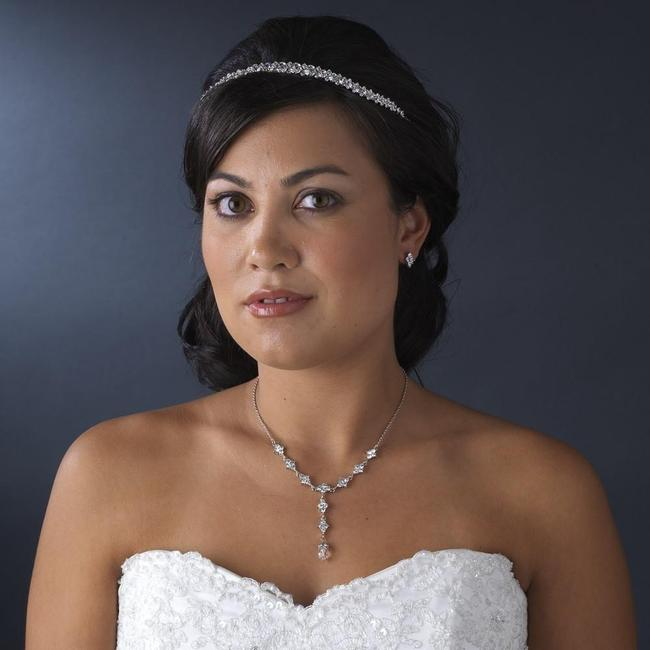 Item - Silver Clear Necklace Earring Jewelry Set