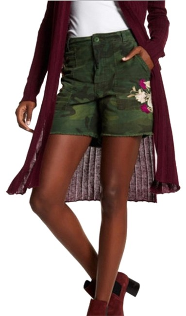Item - Army Green Embroidered Floral Shorts Size 0 (XS, 25)