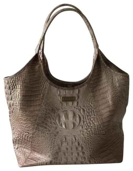 Item - Open Champagne Shimmer with Mocha/Brown/Gold Detailing In Embossing Leather Tote