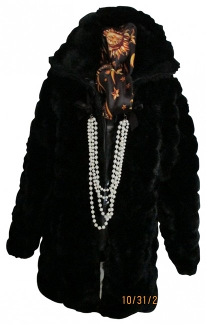 Preload https://item5.tradesy.com/images/bb-dakota-azur-black-reversible-faux-and-rain-resistant-puff-full-c-fur-coat-size-10-m-23119-0-0.jpg?width=400&height=650