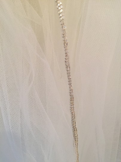 Pronovias Off White Long Bridal Veils
