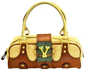 335521d4596c Valentino Satchels - Up to 70% off at Tradesy