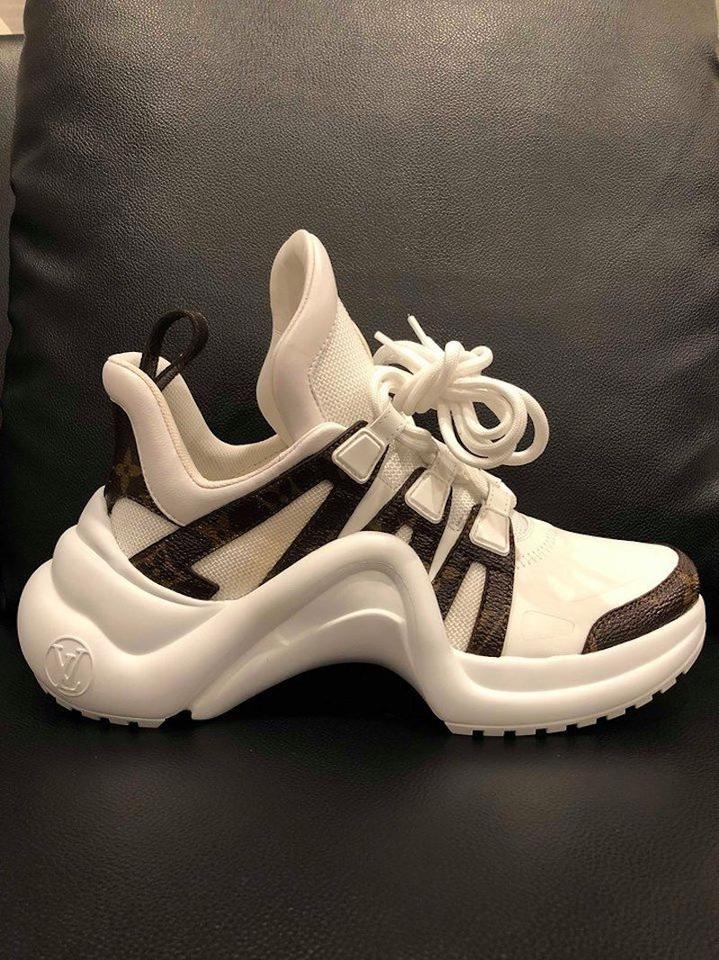 37a7cc46c7bf Louis Vuitton Trainer Sneaker Archlight Runway Classic white Athletic Image  11. 123456789101112