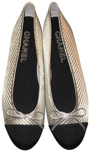 Chanel Shines Medium Width Classic Design Keep Forever Silver/Black Flats