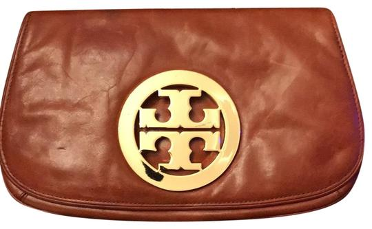 Preload https://item4.tradesy.com/images/tory-burch-tan-veg-leather-clutch-23122813-0-1.jpg?width=440&height=440