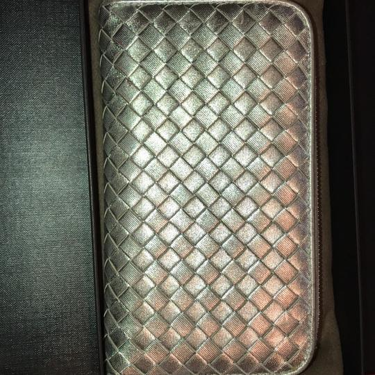 Bottega Veneta INTRECCIATO NAPPA ZIP-AROUND WALLET Image 3