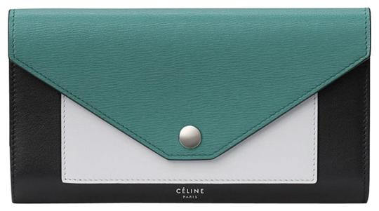 Preload https://img-static.tradesy.com/item/23123883/celine-pocket-tri-folded-multifunction-wallet-convertible-green-smoke-goat-skin-leather-clutch-0-5-540-540.jpg