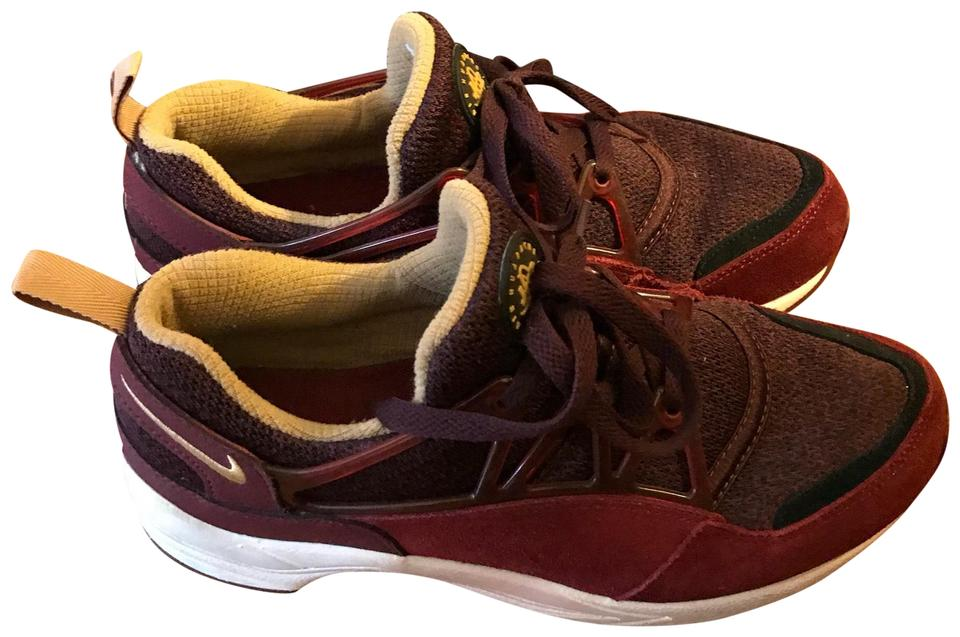 02c41d48a5f70 Nike Dark Red and Gold Huarache Air Sneakers. Size  US 6 Regular (M ...