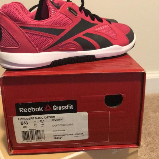 Reebok raspberry and black Athletic Image 3