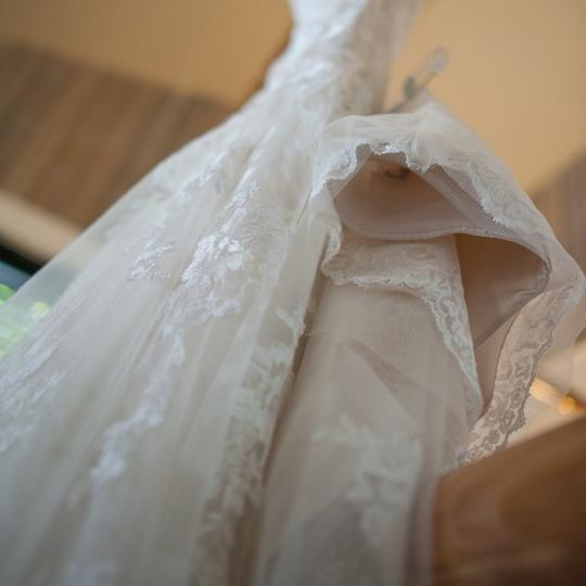 Maggie Sottero Ivory All Over Embroidered Lace Over Delustered Satin Ascher Fit & Flare Bridal Gown Feminine Wedding Dress Size 6 (S) Image 10