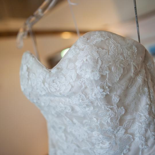 Maggie Sottero Ivory All Over Embroidered Lace Over Delustered Satin Ascher Fit & Flare Bridal Gown Feminine Wedding Dress Size 6 (S) Image 7