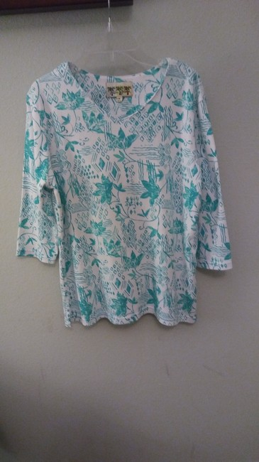 Palm Grove Top White with green flower pattern Image 2