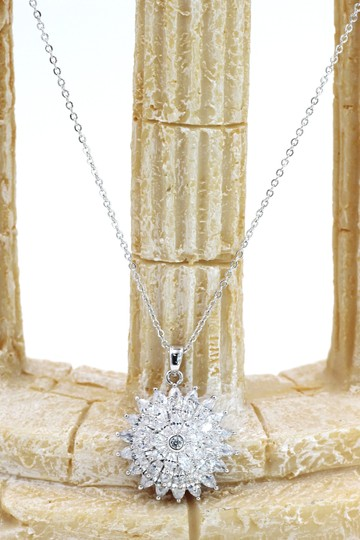 Ocean Fashion Sparkling sunflower crystal silver necklace Image 2