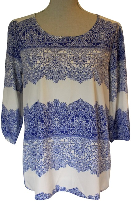 Item - Blue and White Blouse Size 8 (M)