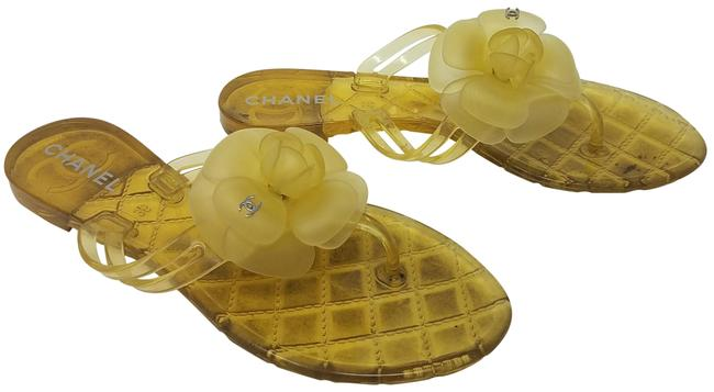 Chanel Yellow Jelly Interlocking Cc Logo Camellia Sandals Size EU 36 (Approx. US 6) Regular (M, B) Chanel Yellow Jelly Interlocking Cc Logo Camellia Sandals Size EU 36 (Approx. US 6) Regular (M, B) Image 1