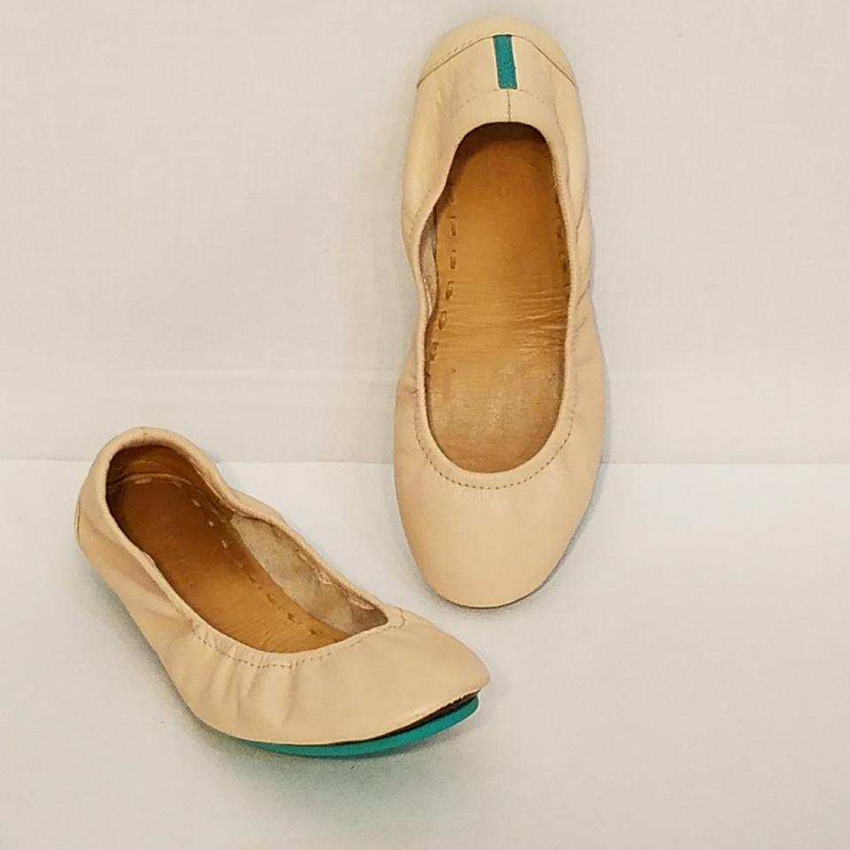 a657307db57 Tieks Cream Leather Foldable Ballet Flats Size US 6 Regular (M