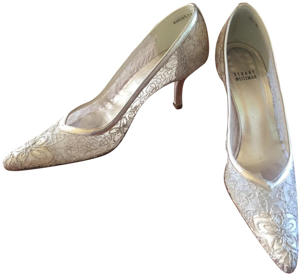 c920b5d5d8f4 Stuart Weitzman Gold Brocade Pumps Size US 8.5 Regular (M