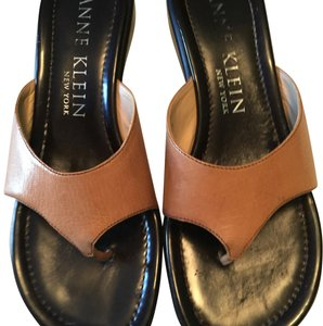 Anne Klein tan Sandals