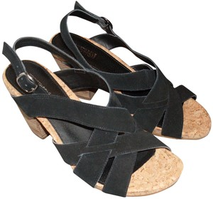 Kenneth Cole Reaction Suede Black Sandals