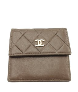 Chanel Chanel Brown Quilted Leather Snap Card Holder (146191)