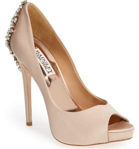 Badgley Mischka Dknude Sa 'kiara' Crystal Back Open Toe Pumps Size US 7 Regular (M, B)
