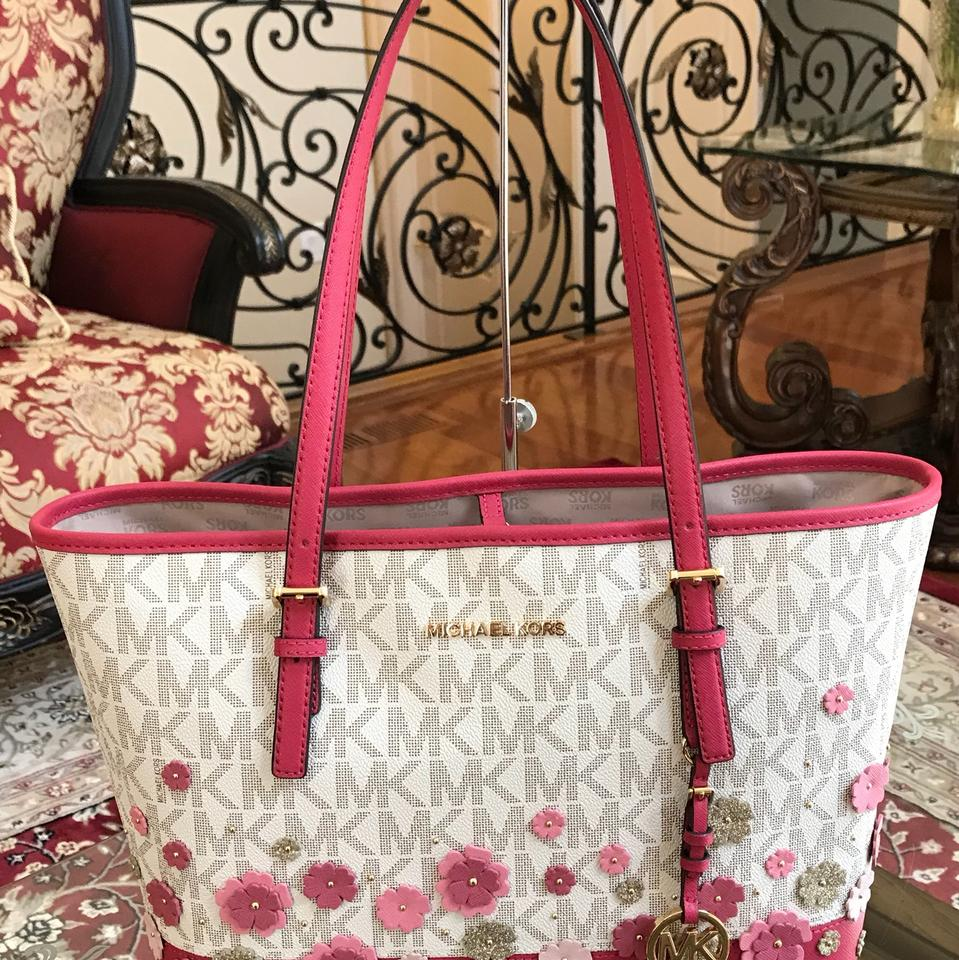 2afb2f6427af Michael Kors Leather Flower Carryall Tote in vanilla granita Image 9.  12345678910