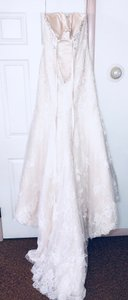Maggie Sottero Ivory Lace and Crystals Amarosa Formal Wedding Dress Size 14 (L)