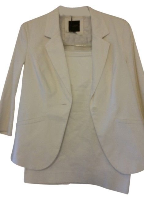 Preload https://item2.tradesy.com/images/the-limited-white-professional-skirt-suit-size-14-l-2313191-0-0.jpg?width=400&height=650
