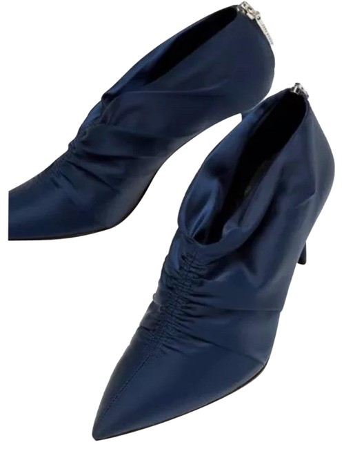 Item - Navy Blue Satin Ankle Boots/Booties Size US 8 Regular (M, B)