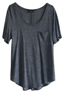 Aritzia T Shirt Salt and pepper