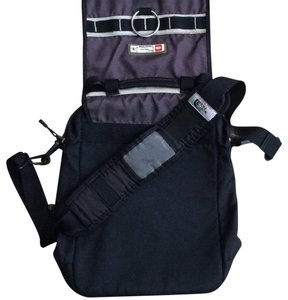 488593a2f5b2 The North Face Vintage Front Flap Large Flap Retro Sporty Black   grey Messenger  Bag