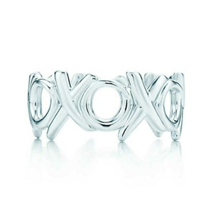 Tiffany & Co. Retired XOXO Picasso ring