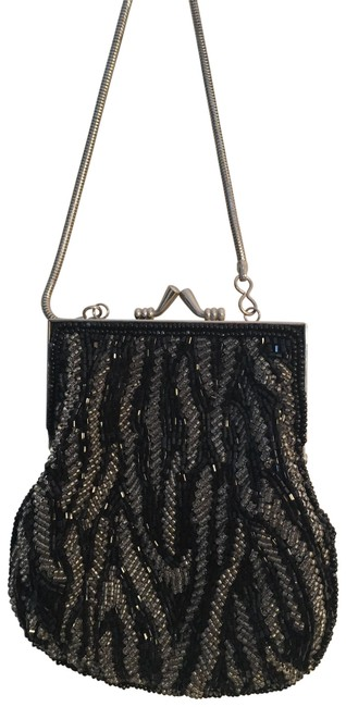 Item - Shell Shaped Black & Silver Beads Satin with Wristlet