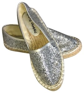 Dirty Laundry silver Flats