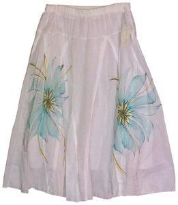 Metro Wear Skirt white w Turquoise Flowers