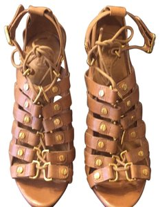 6594207c8b8 Tory Burch Sandals - Up to 90% off at Tradesy