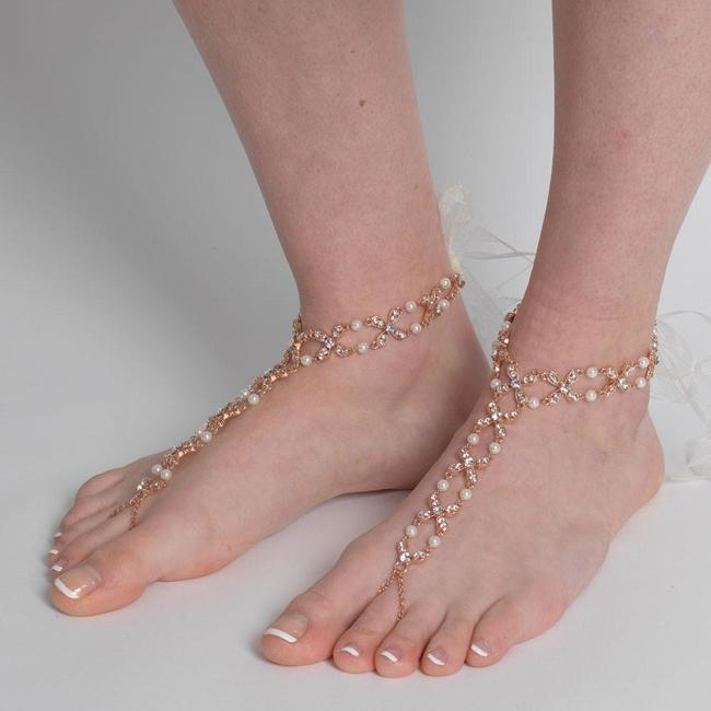 Item - Silver Gold Rose Gold Pearl and Rhinestone Beach Wedding Barefoot Bridal Foot Jewelry