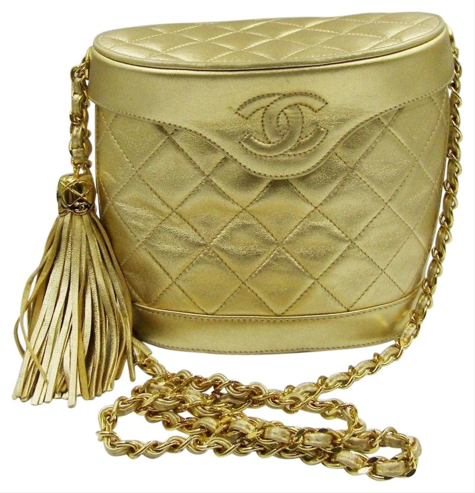 36e904e4c1180b Chanel Shoulder Bucket Vintage Tassel Cc Logo Quilted Gold Leather ...