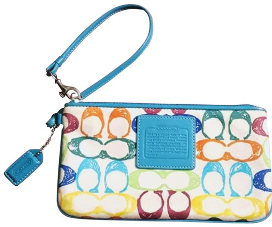 Preload https://img-static.tradesy.com/item/23142925/coach-c-monogram-white-and-blue-leather-wristlet-0-2-540-540.jpg