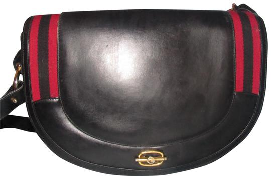 Preload https://img-static.tradesy.com/item/23143063/gucci-vintage-pursesdesigner-purses-black-glossy-leather-with-red-and-blue-striped-accents-canvas-sh-0-2-540-540.jpg