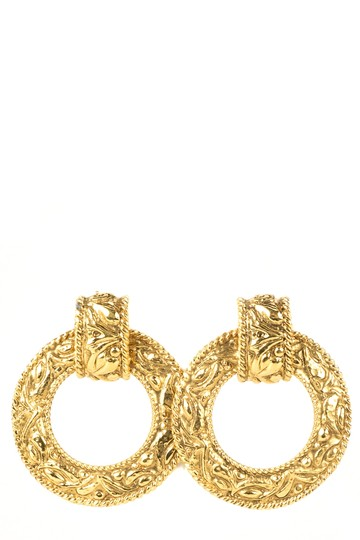 Preload https://img-static.tradesy.com/item/23143090/chanel-gold-engraved-hoop-earrings-0-0-540-540.jpg